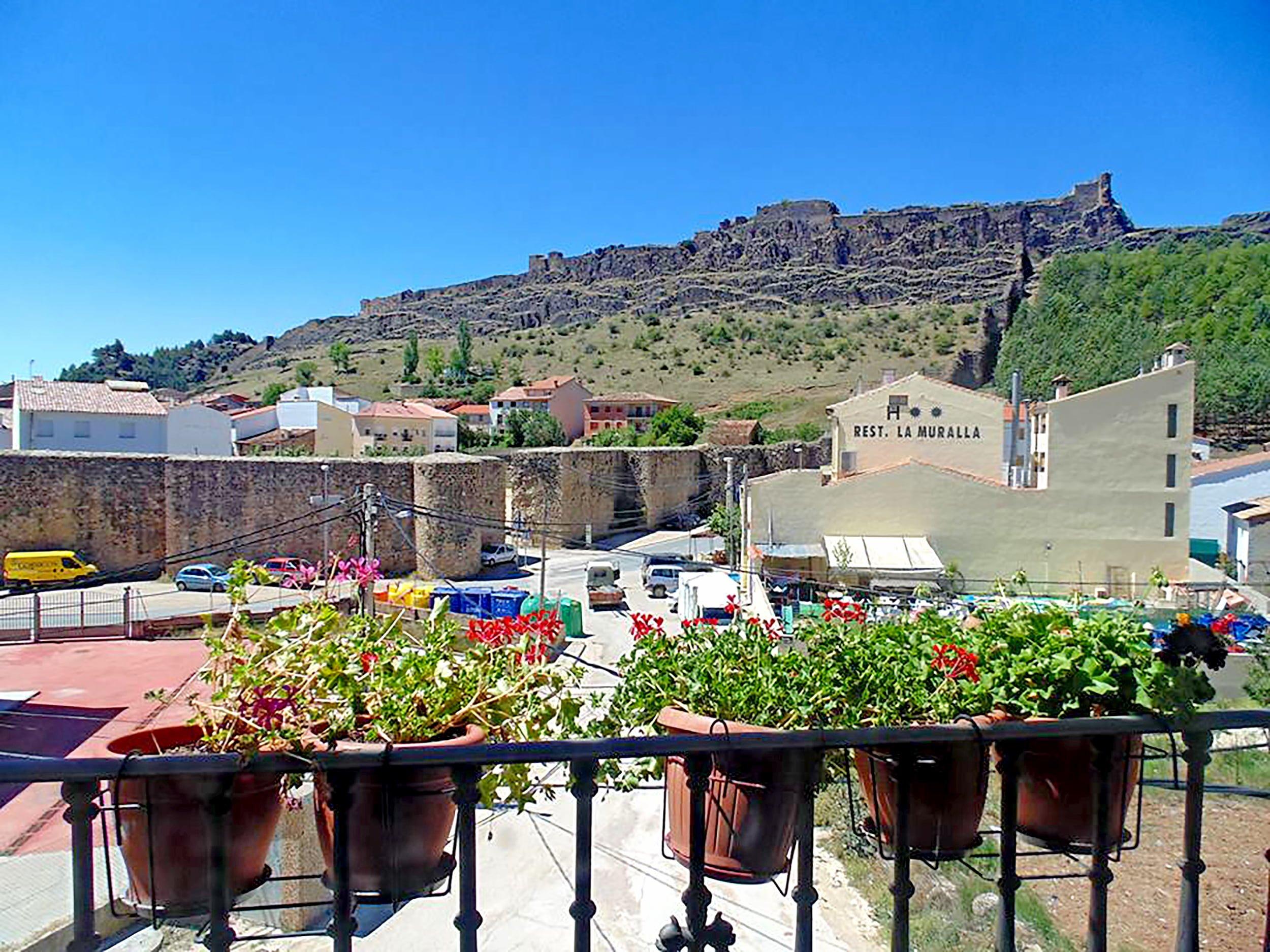 Complejo turístico La Muralla de Cañete - Cuenca